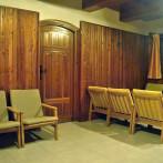 Společenská místnost s krbem